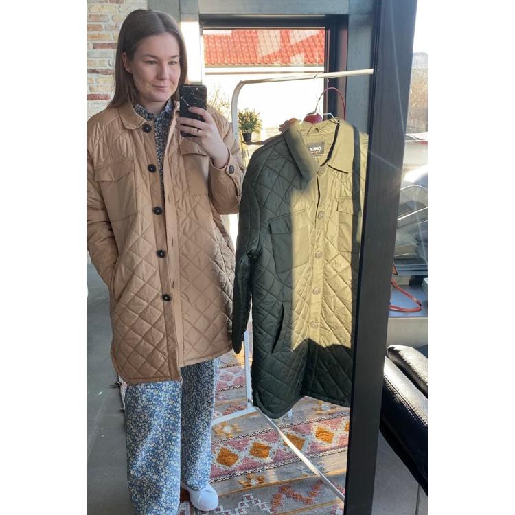 Onltanzia lang quilted jakke